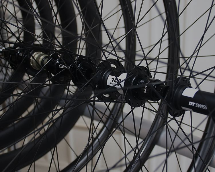 https://pic.lightbicycle.com/www/home/images/compressed/MO-quick-buy-road-mtb-wheelsets.jpeg
