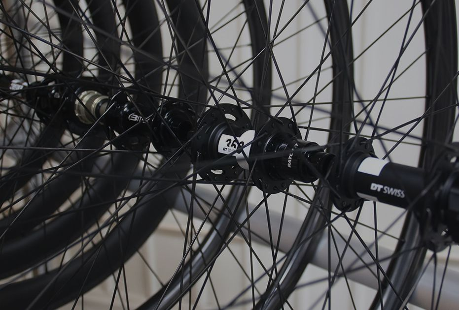https://pic.lightbicycle.com/www/home/images/compressed/PC-quick-buy-in-stock-road-mtb-wheelsets.jpeg